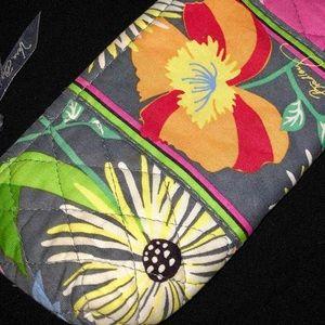 Vera Bradley Brush/Pencil Case in Jazzy Blooms